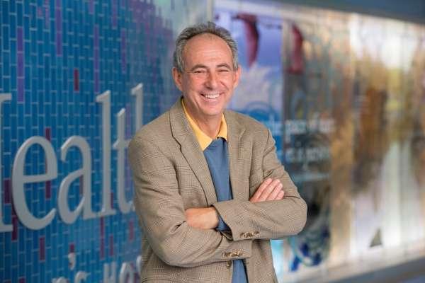 Desmond Schatz, MD